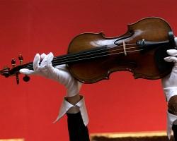 Канадская полиция нашла скрипку Страдивари